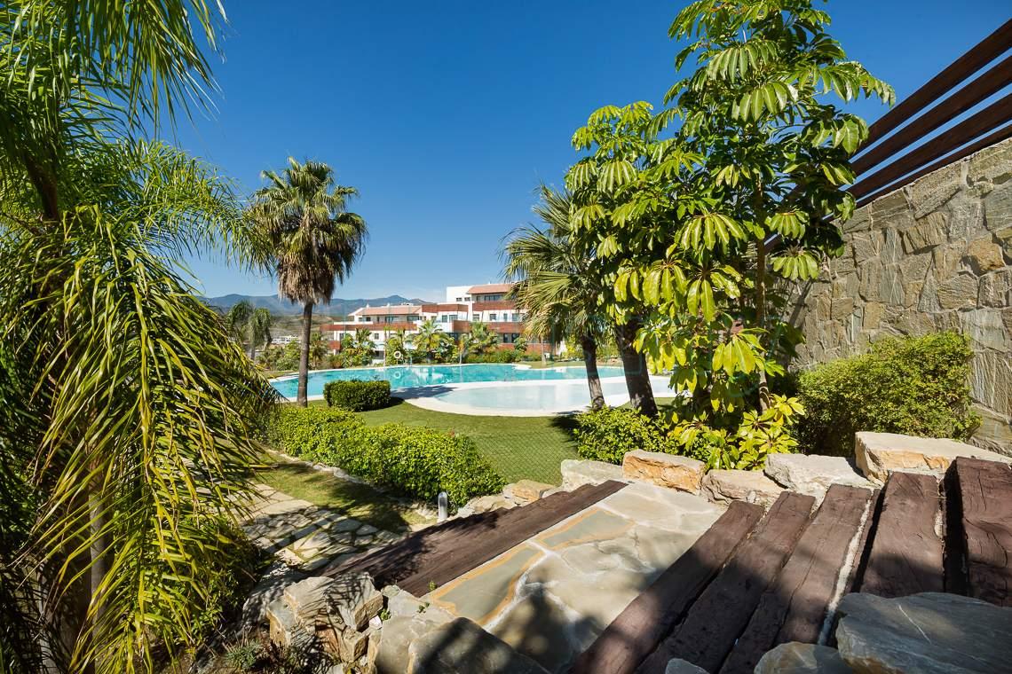 piscina de urbanizacion hoyo 19 los flamingos
