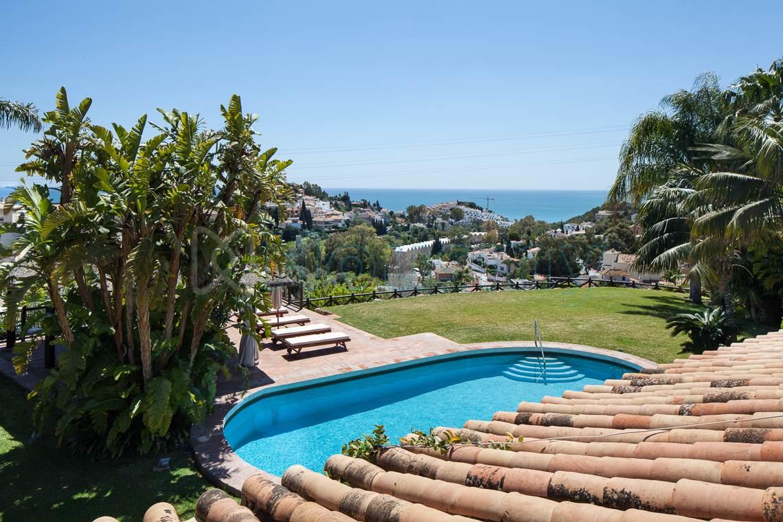 Vistas al mar desde terraza de chalet en Cerrado de Calderón. Housmy portal inmobiliario
