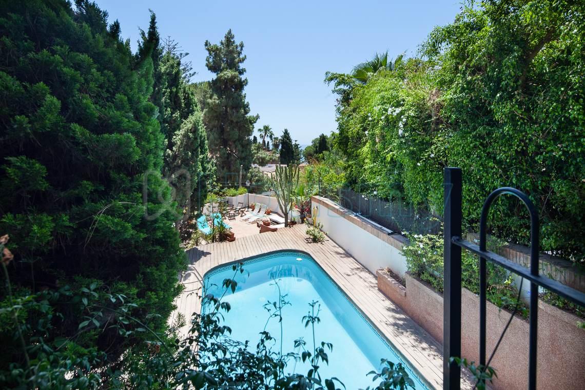 piscina y terraza en casa independiente en venta en el candado