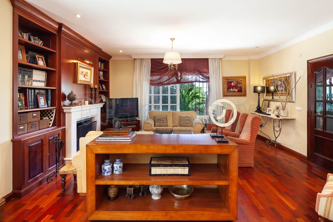 salon clasico con vista al mar en casa en venta en el candado - Housmy