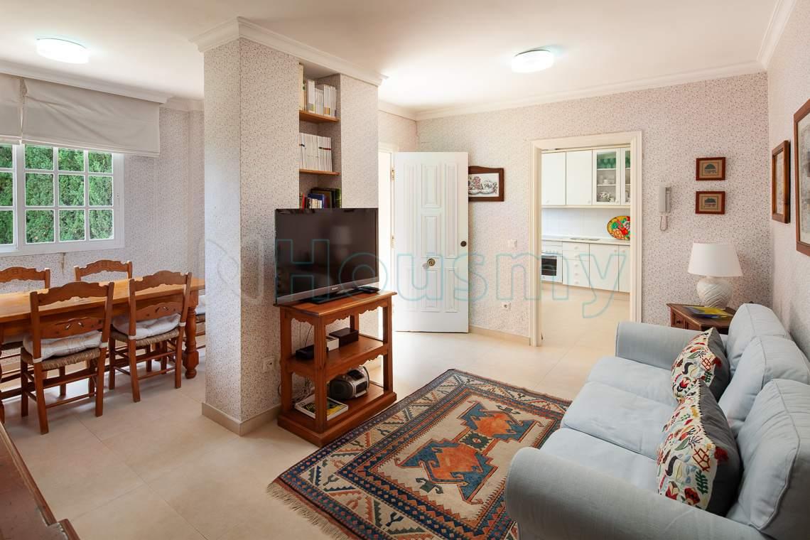 sala de estar en casa de 5 dormitorios en venta