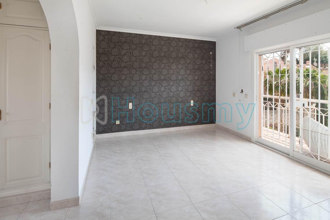 Dormitorio principal en casa con 5 dormitorios Málaga