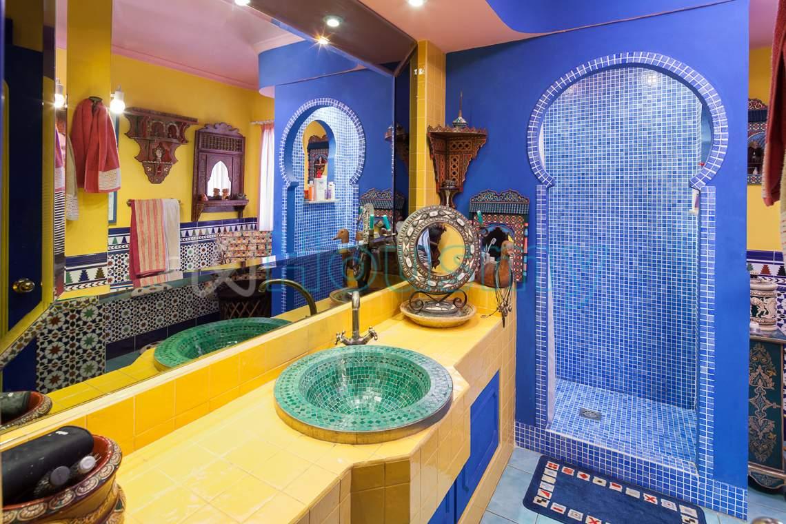 Baño de estilo árabe en casa en venta. Housmy
