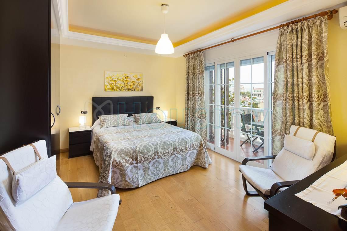 Hotel con encanto en venta. Habitación doble.
