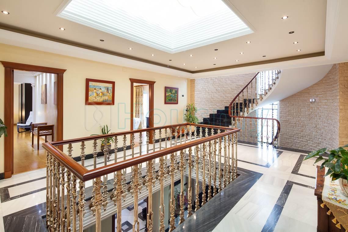 acceso a las habitaciones del hotel en venta