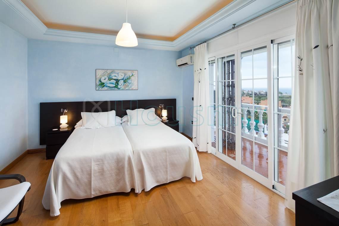 Habitación con vistas al mar en hotel en venta