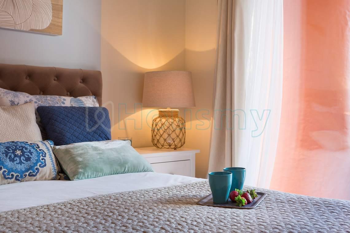dormitorio de piso obra nueva urbanizacion sotoserena estepona. Housmy