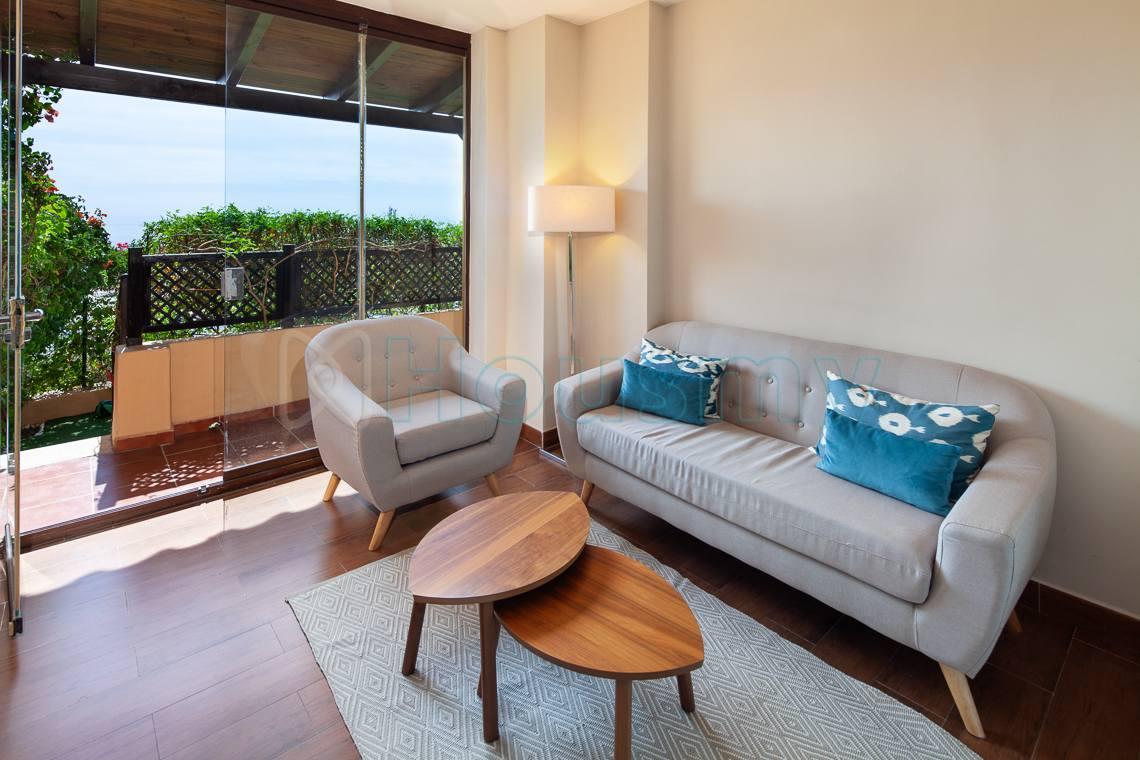 salón con acceso al jardín y vista al mar en piso en venta de parque victoria - Housmy