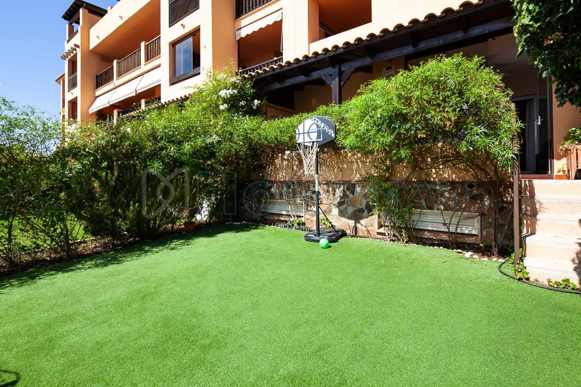 jardin exterior de piso en venta en calle cariñena