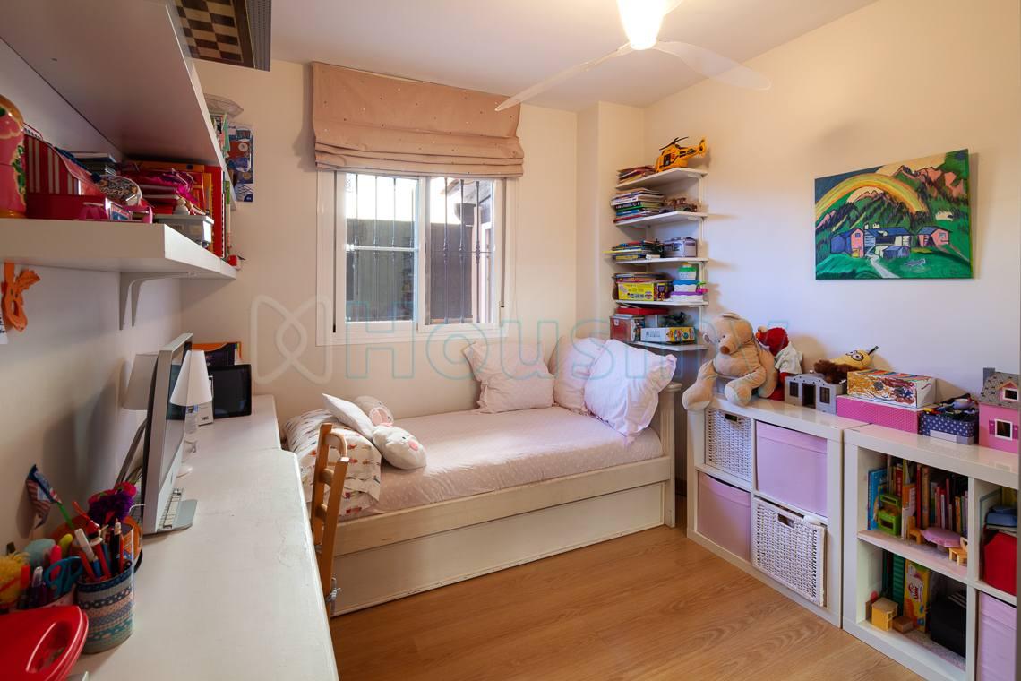 dormitorio exterior de piso en venta en lomas de procusan