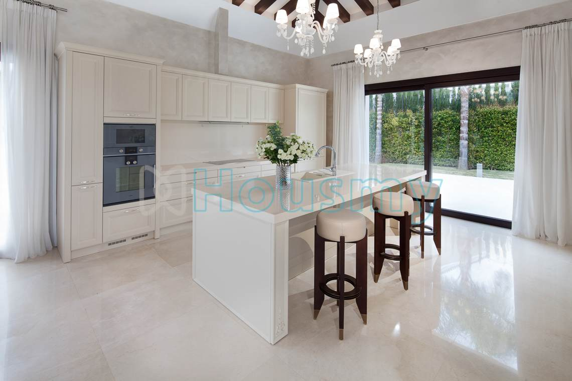 Kitchen of large villa for sale in spain. Housmy