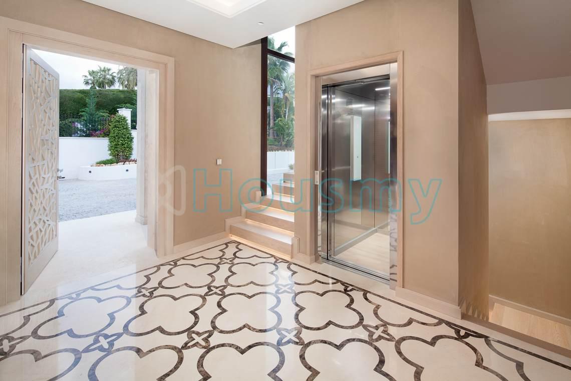 villa with elevator in marbella